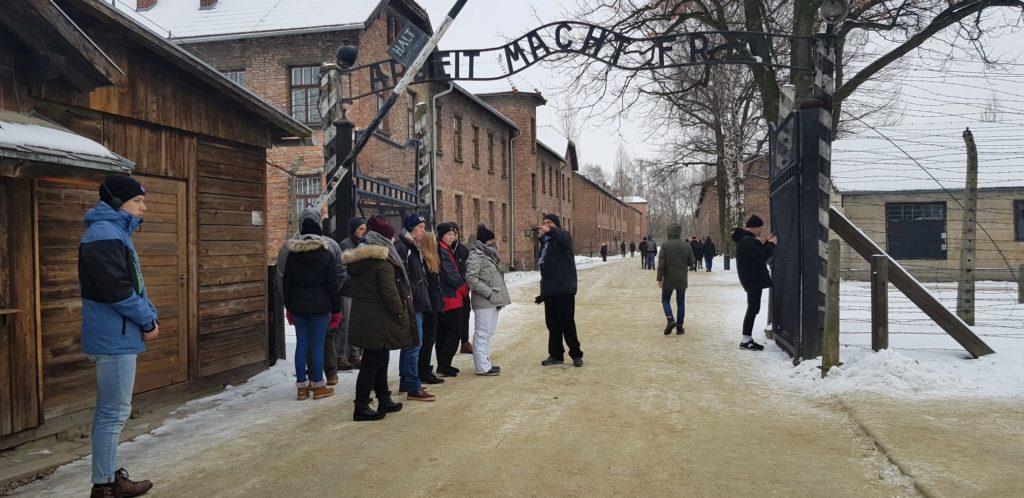 Eingang des früheren Konzentrations- und Vernichtungslagers Auschwitz